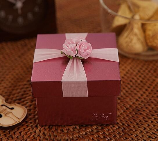 2017 Hot Style Beautifully Square Gift Box Pink Chocolate Packaging Cardboard Box Perfume Paper Boxes Wedding box With Ribbon In China