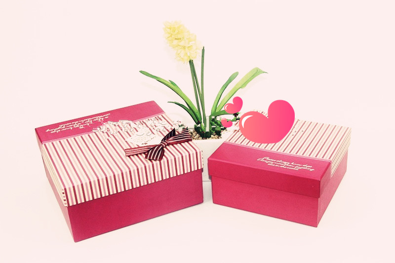 2017 Rectangular gift box professional design red luxury matte laminated cardboard box wholesale
