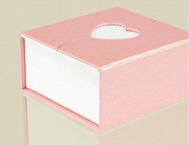 2017 Rectangular gift box unique design pink customized wedding gift packaging box with heart shape