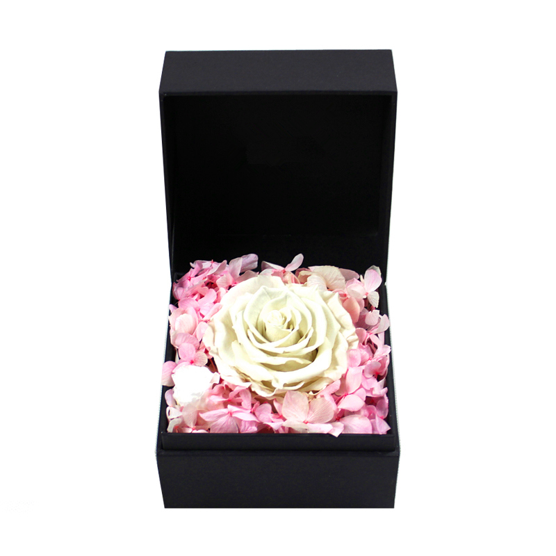 luxury square one rose flower gift box supplier in EECA